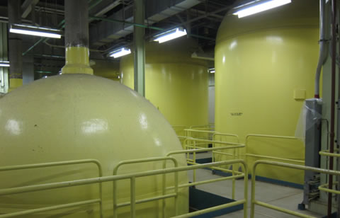 Emergency pressurized nitrogen tanks